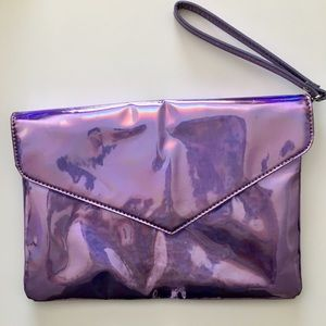 Holographic Clutch 🦄